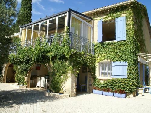 Maison De Vacances - Piolenc 1 : Guest accommodation near Mornas