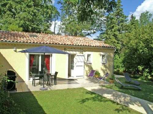 Maison De Vacances - Piolenc 3 : Guest accommodation near Mornas