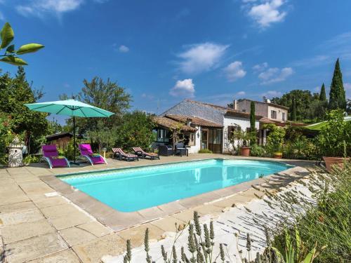 Maison De Vacances - Meyrargues 1 : Guest accommodation near Peyrolles-en-Provence