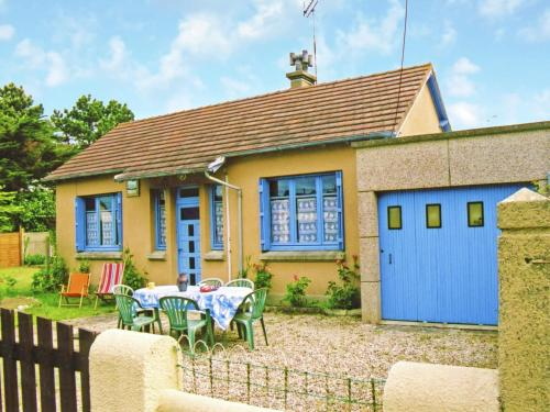 Maison De Vacances - Agon-Coutainville 1 : Guest accommodation near Gratot