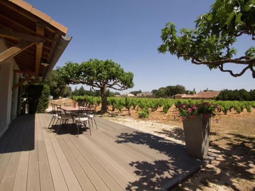 Maison De Vacances - Sorgues : Guest accommodation near Sorgues