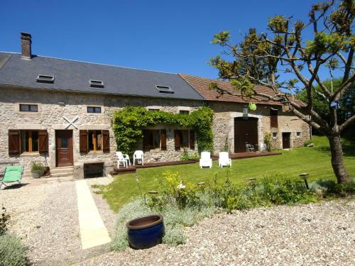 Maison De Vacances - Dun-Les-Places 1 : Guest accommodation near Gouloux