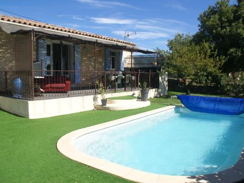 Villa - Lambesc : Guest accommodation near Lambesc