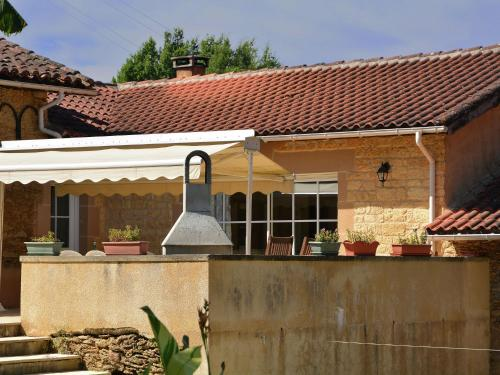 Familly Villa Gers : Guest accommodation near Campagne-d'Armagnac