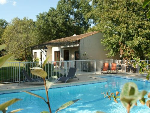 Bungalow - Pinsac : Guest accommodation near Lacave