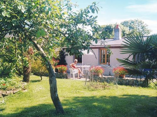 Maison De Vacances - Montaigu-La-Brisette : Guest accommodation near Saussemesnil