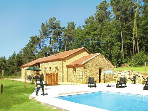 Maison De Vacances - Blanquefort-Sur-Briolance 2 : Guest accommodation near Soulaures
