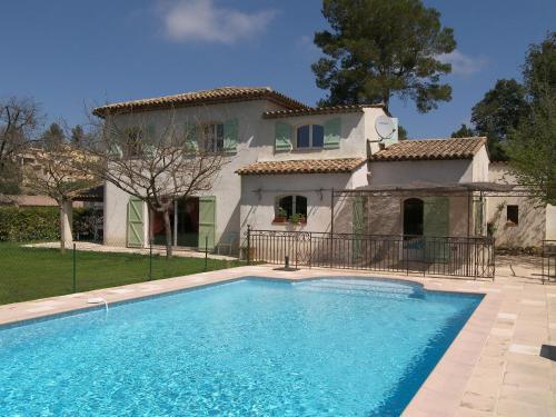 Villa Alcala : Guest accommodation near Valbonne