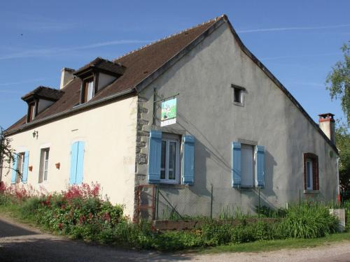 Maison De Vacances - St Loup-Géanges : Guest accommodation near Clux