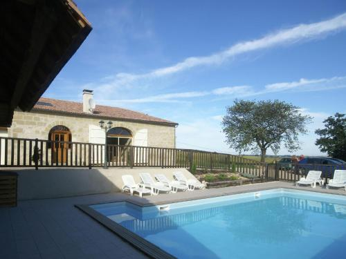 Maison De Vacances - Puymiclan : Guest accommodation near Saint-Pardoux-du-Breuil