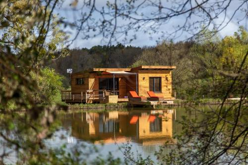 LACabane Lodge Nature : Guest accommodation near Saint-Michel-de-Montaigne