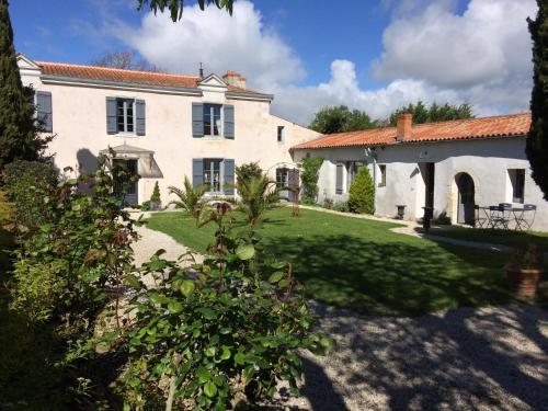 La Rochelle L'ile de Ré Autrement : Guest accommodation near L'Houmeau