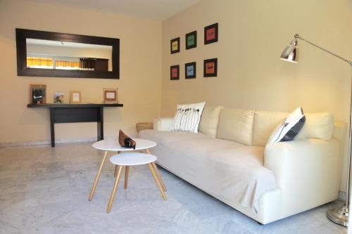 Les Glycines : Apartment near Gorbio