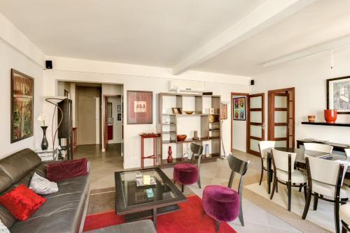 Welkeys Apartment Paris Marois : Apartment near Issy-les-Moulineaux