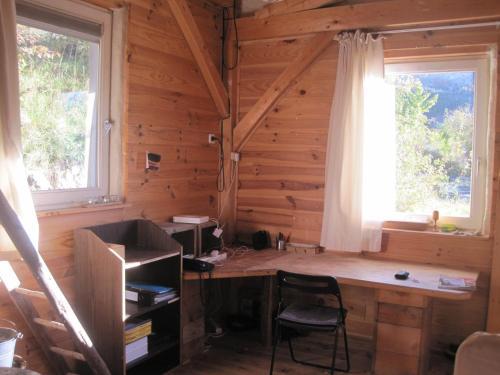 Le Teron : Guest accommodation near Saint-Genis
