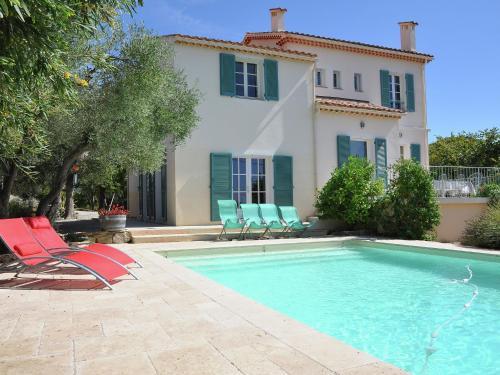 Villa Réal : Guest accommodation near Évenos