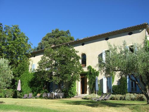 Le Grand Cedre : Guest accommodation near Vaison-la-Romaine