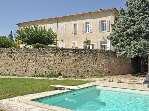 Chateau Pécoulette : Guest accommodation near Courthézon