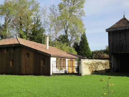 Maison De Vacances - Nettancourt : Guest accommodation near Courtémont