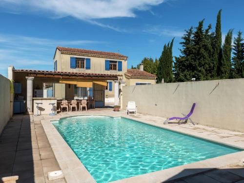 Holiday home Maillane : Guest accommodation near Maillane
