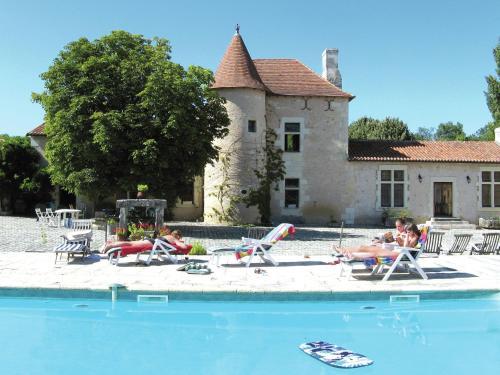 Maison De Vacances - Lencloître : Guest accommodation near Châtellerault
