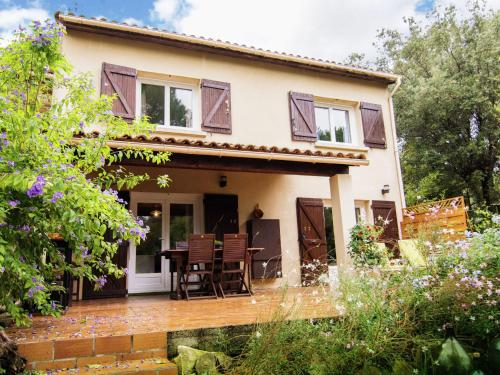 Maison De Vacances - Aubais 1 : Guest accommodation near Souvignargues