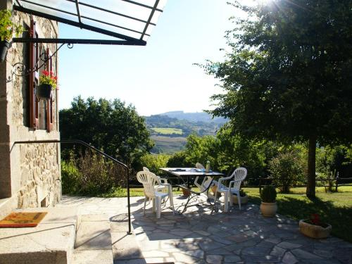 Maison De Vacances - Senezergues : Guest accommodation near Mourjou