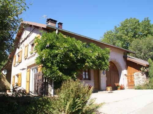 Maison De Vacances - La Chapelle-Aux-Bois : Guest accommodation near Jonvelle