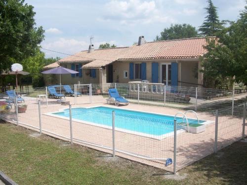 Maison du Laquet : Guest accommodation near Céreste