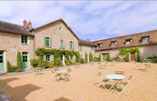 La Ferme des Vallées : Guest accommodation near Épernon