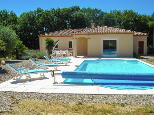 Holiday home La Croix-Blanche : Guest accommodation near Cours