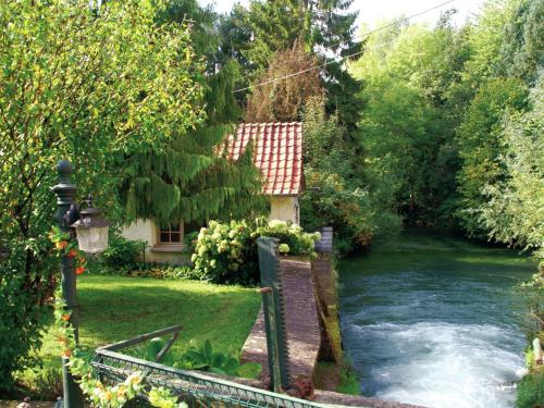 Maison De Vacances - Le Ponchel : Guest accommodation near Bussus-Bussuel
