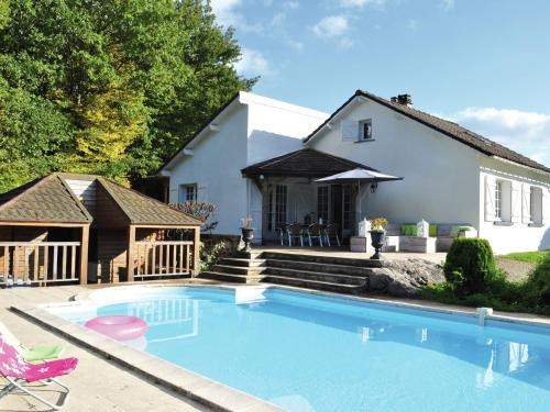 Maison De Vacances - Dun-Les-Places 2 : Guest accommodation near Saint-Brisson