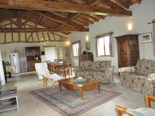 Barthère : Guest accommodation near Nogaro