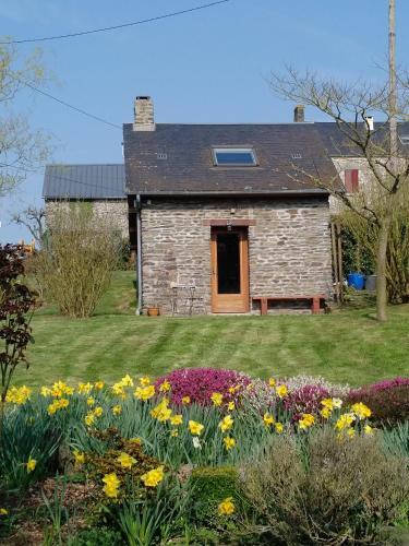Le Pti' chez vous : Guest accommodation near Saint-Vigor-des-Mézerets