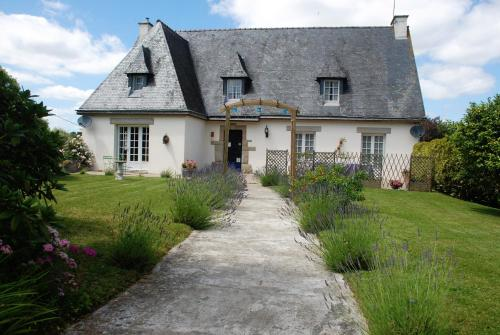 Maison Driscoll : Bed and Breakfast near Trémorel