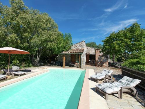 Maison De Vacances - St Alban-Auriolles 3 : Guest accommodation near Saint-Alban-Auriolles
