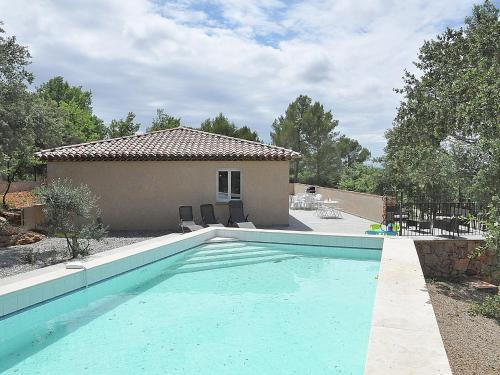Villa Tavernes : Guest accommodation near Fox-Amphoux