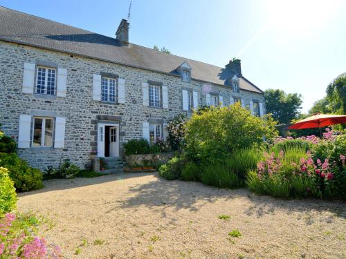 Holiday home L'Amelinerie : Guest accommodation near Ancteville