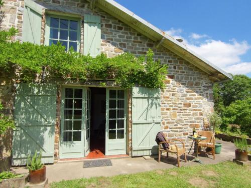 Gite La Forge De Bessous : Guest accommodation near Les Cars