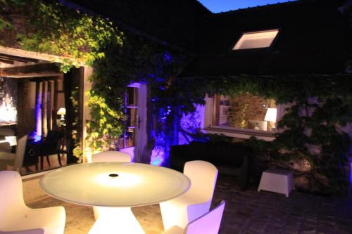 L'Hibernie : Bed and Breakfast near Vieille-Église-en-Yvelines