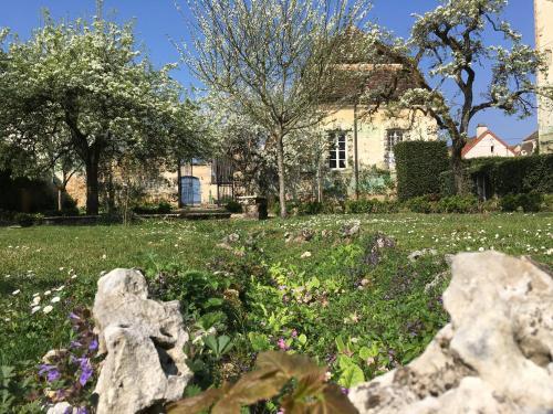 Maison d'Hôtes Chandon de Briailles : Guest accommodation near Lusigny-sur-Ouche