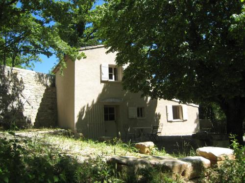 La Trinite : Guest accommodation near Rustrel