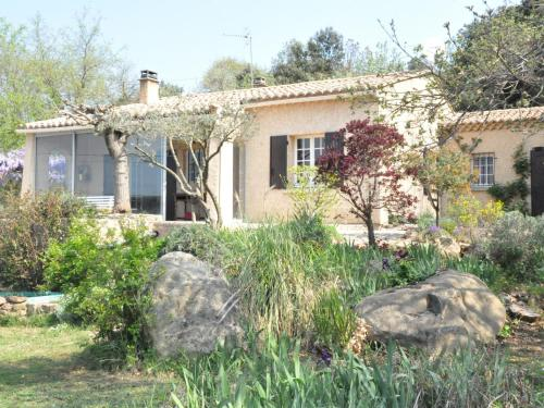 Entre Garrigue Et Château : Guest accommodation near Le Pin