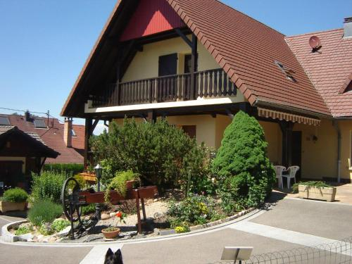 Au Cheval Blanc : Guest accommodation near Steinsoultz