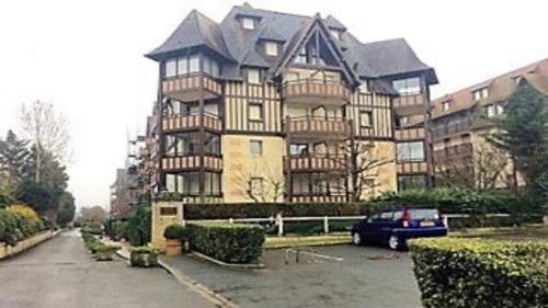 Appartement Residence Le Fairway : Apartment near Tourgéville
