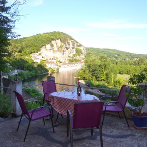 Le Mirador : Guest accommodation near Cénac-et-Saint-Julien