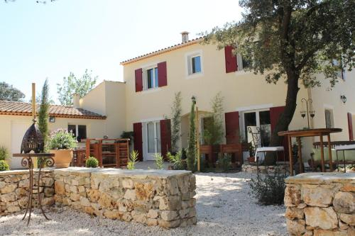 Villa Les Jardins d'Holi : Guest accommodation near Aubussargues