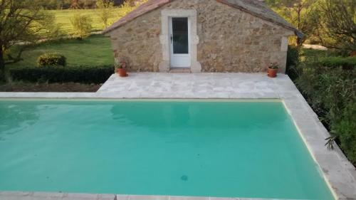 Chambre d'hôte H Petit : Bed and Breakfast near Vagnas