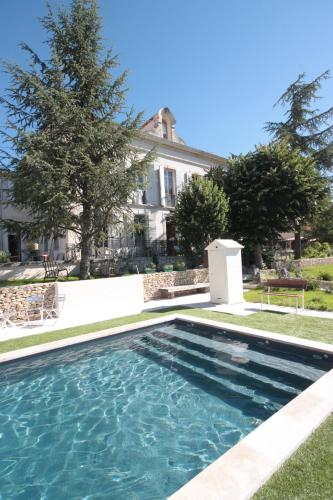 Penthouse provencal Villa St Marc : Guest accommodation near Forcalquier
